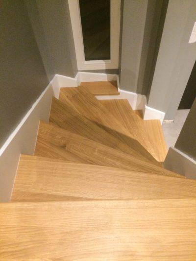Habillage escalier béton